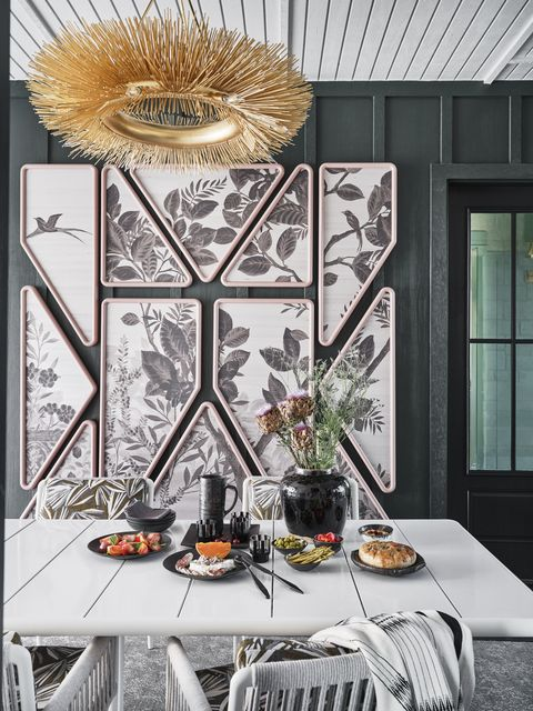 breeze style, white table and white dining chairs, black cutlery