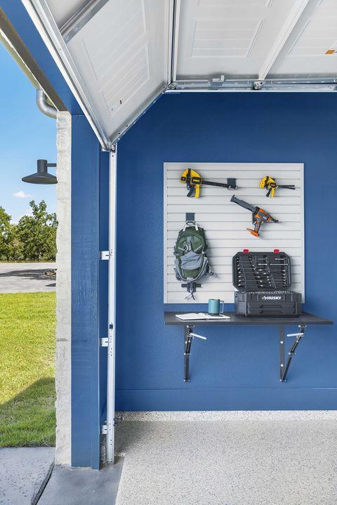 garage, blue wall