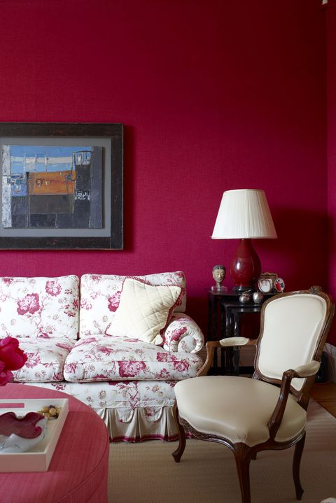 Room, Pink, Living room, Furniture, Red, Interior design, Property, Home, Wall, Table,