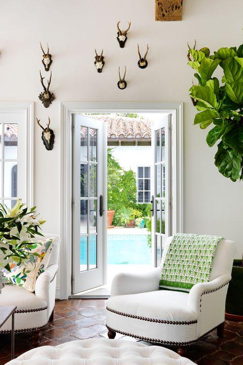 Pool House Decor Ideas