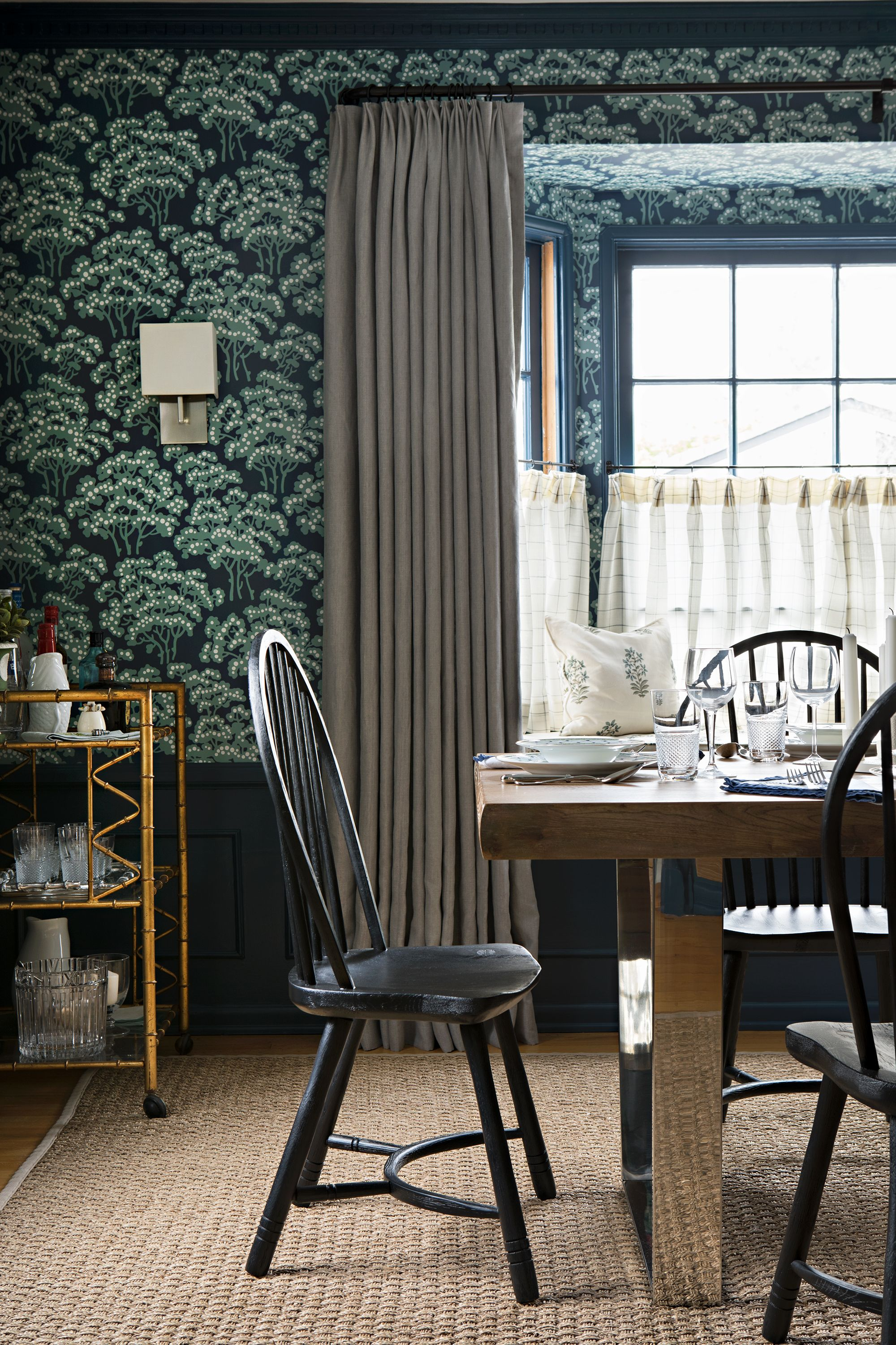 Wonderful Dining Room Wallpaper With Chair Rail