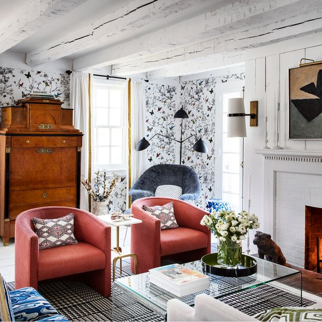 19 Living Room Wallpaper Ideas That Stand the Test of Time