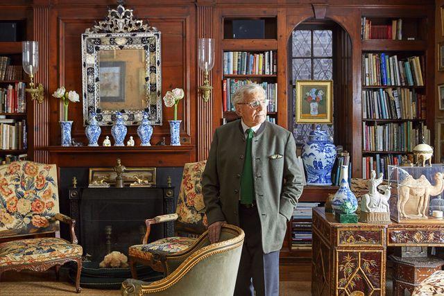 furniture, room, antique, collection, interior design, classic, building, porcelain,