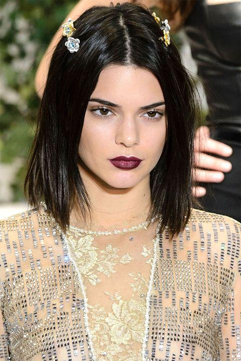 Hair, Face, Hairstyle, Eyebrow, Lip, Beauty, Black hair, Forehead, Long hair, Chin,
