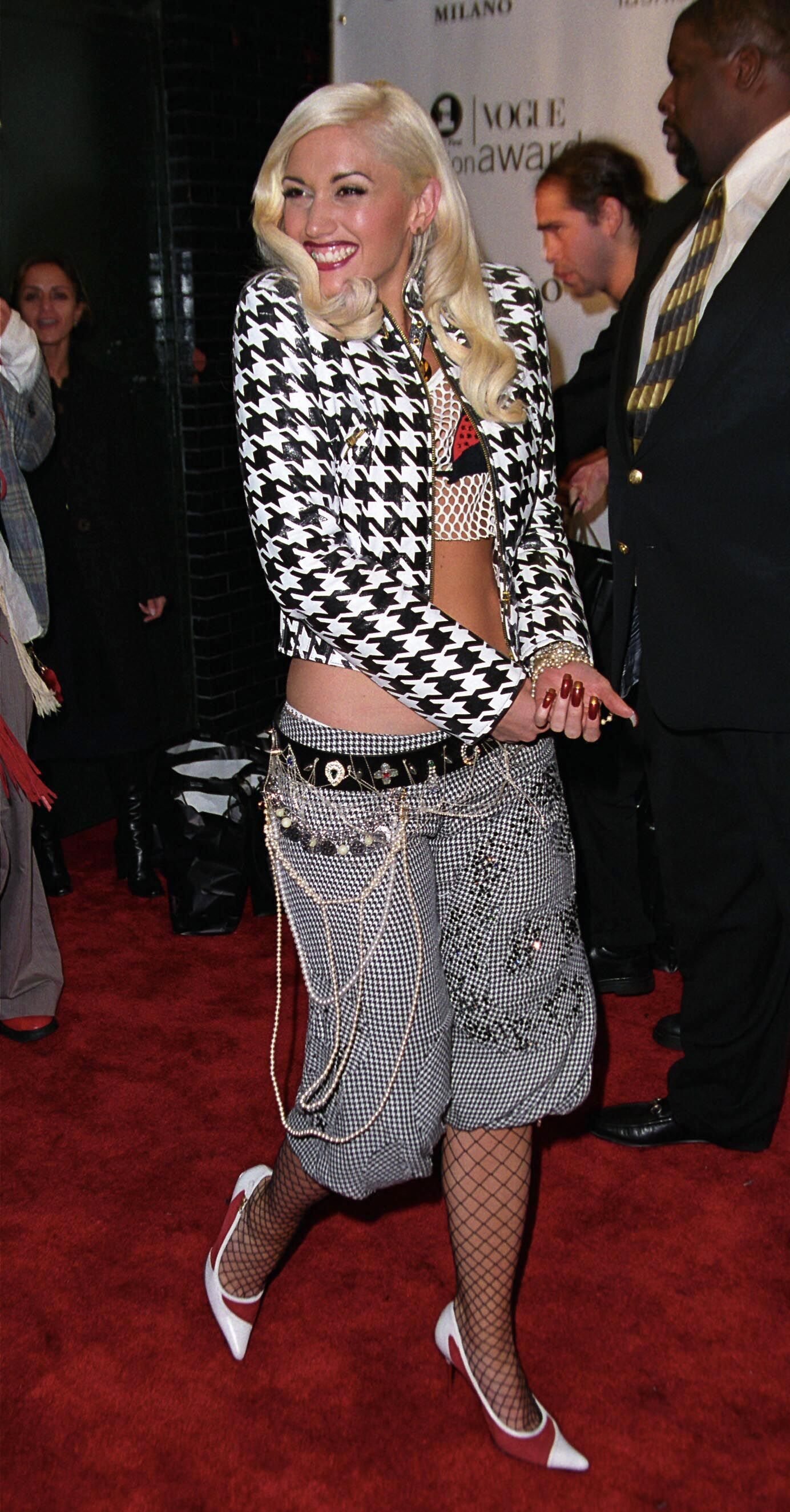 304a4397e2 The Worst Early 2000s Fashion and Outfits - Celebrity Outfits From Early  2000s