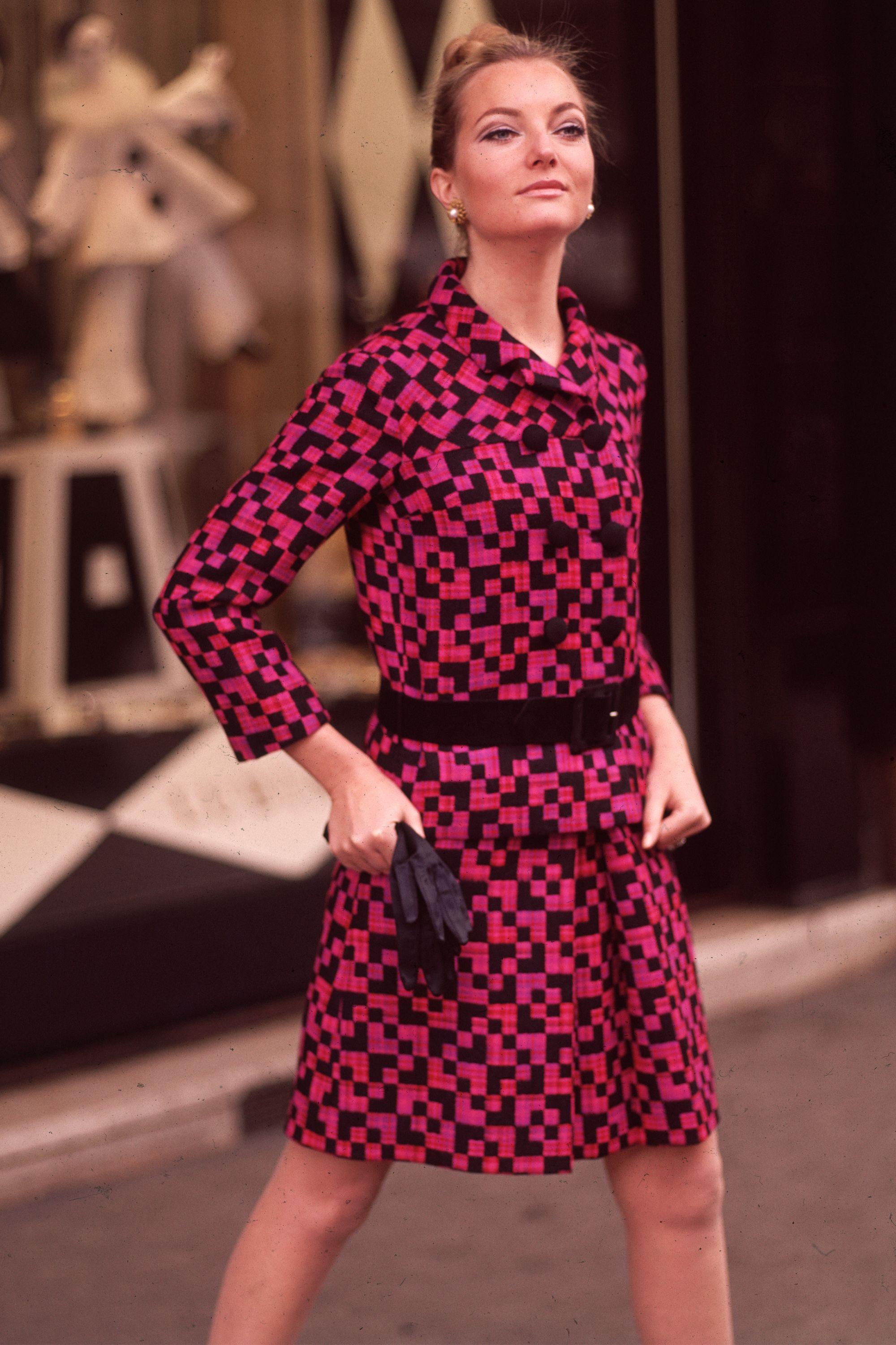 1de4426713c Best 1960s Fashion Trends and Outfits - 60s Fashion and Style
