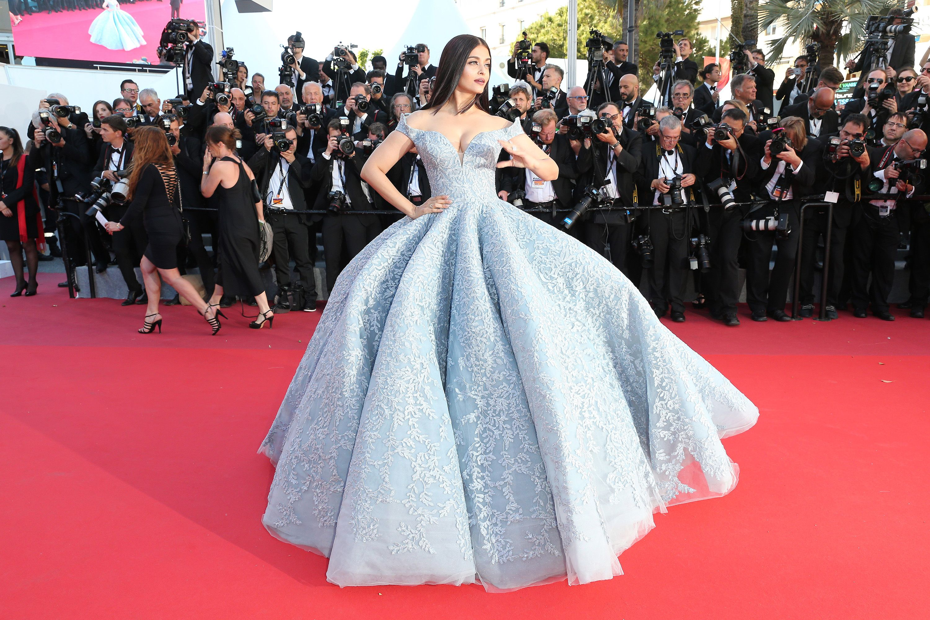 Aishwarya Rais Butterfly Dress At Cannes Film Festival Took 3000