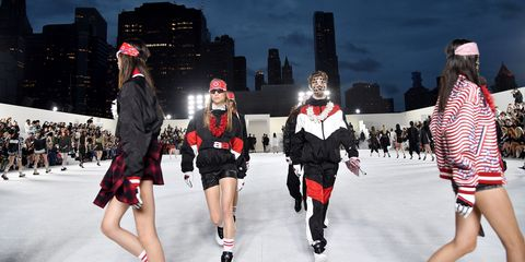 Fashion, Winter, Footwear, Recreation, Ice rink, Ice skating, Textile, Street fashion, Event, Tourism,