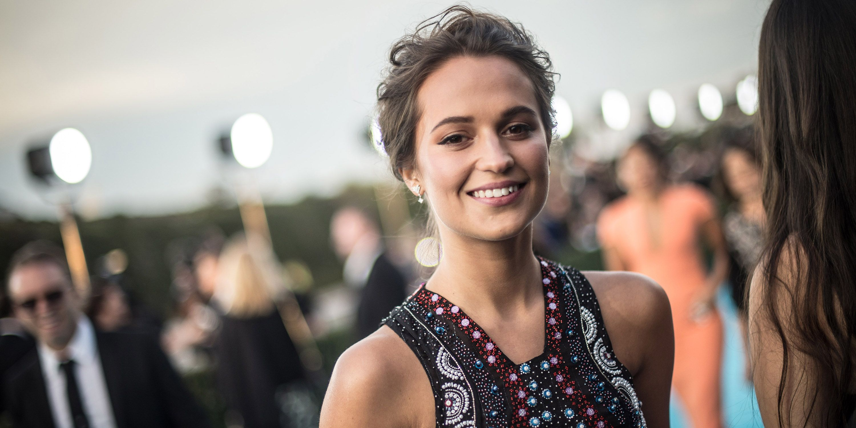 See Alicia Vikander In Action As Lara Croft In The Tomb Raider Reboot