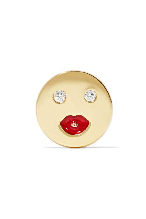 Facial expression, Nose, Head, Yellow, Button, Smile, Emoticon,