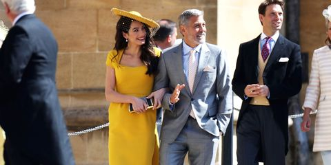 Yellow, Suit, Event, Formal wear, White-collar worker, Gesture, Smile,