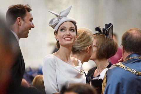 Fashion, Beauty, Hairstyle, Event, Headpiece, Fun, Headgear, Fashion design, Performance, Tradition,