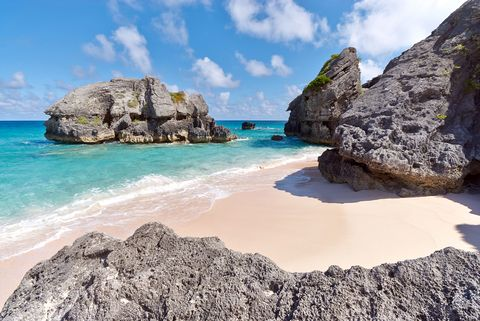 Body of water, Coastal and oceanic landforms, Rock, Coast, Water, Natural landscape, Ocean, Bedrock, Beach, Formation,