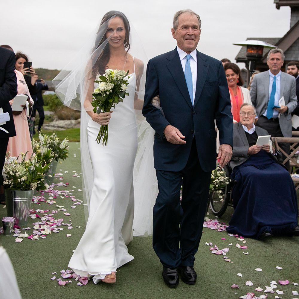 Barbara Bush Wedding Photos.Barbara Bush Wore A Vera Wang Wedding Dress To Marry Craig Coyne
