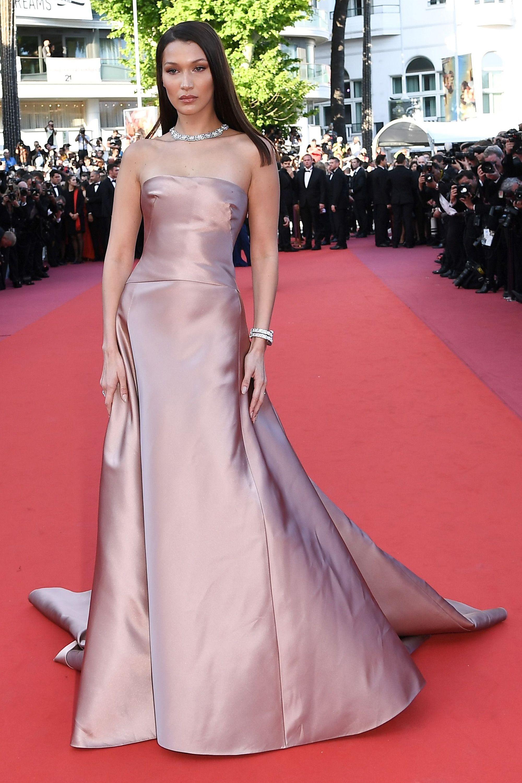 a755aaee4fa2 Bella Hadid Street Style - Bella Hadid s Hottest Looks