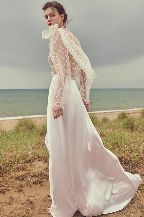 3b71fc77611 65+ Best Wedding Dresses Spring 2020 - Top Spring Bridal Runway Looks
