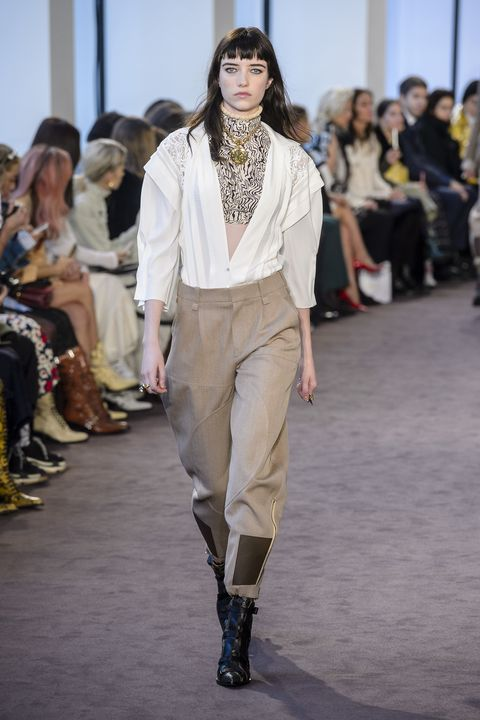 Fashion, Fashion model, Fashion show, Runway, Clothing, Fashion design, Footwear, Public event, Event, Haute couture,