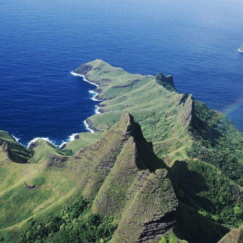 Marquesas, Nuku Hiva, Aakapa, elevated view