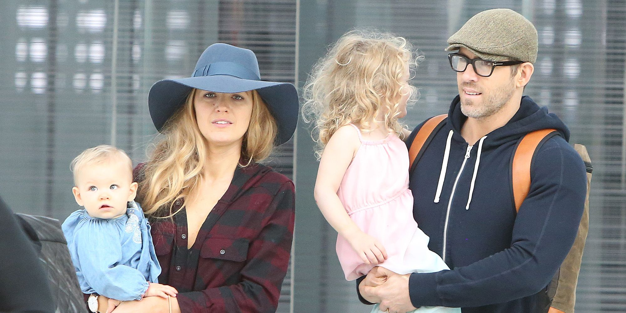 Blake Lively And Ryan Reynolds With Their Kids At The Airport Blake Lively And Ryan Reynolds Kids Photo