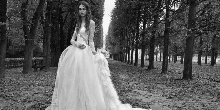 Vera wang fall 2018 bridal collection vera wang fall 2018 if the american bridal world were a contemporary museum vera wang would undeniably be its curator almost 30 years in the bridal business has her junglespirit