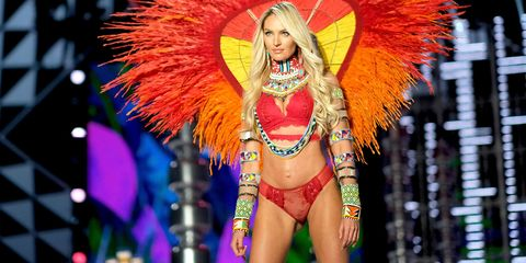 Samba, Fashion show, Event, Fashion, Carnival, Public event, Dancer, Abdomen, Festival, Navel,