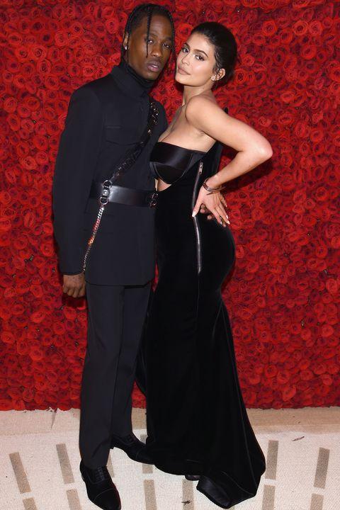 Red, Fashion, Formal wear, Dress, Suit, Little black dress, Event, Haute couture, Tuxedo, Gown,