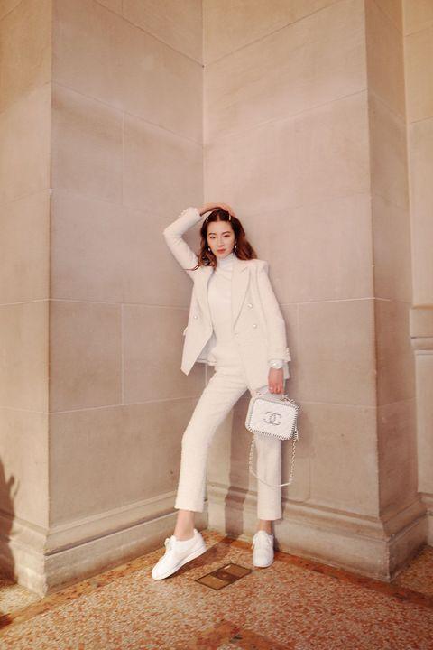 White, Photograph, Beauty, Fashion, Shoulder, Footwear, Leg, Photography, Photo shoot, Outerwear,