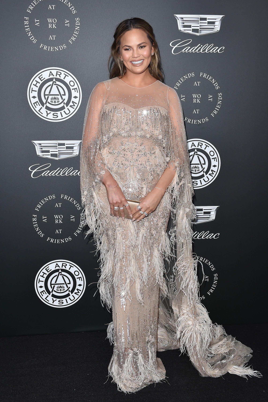 3c9b187d37597 Chrissy Teigen's Best Maternity Looks - Chrissy Teigen Pregnancy Style