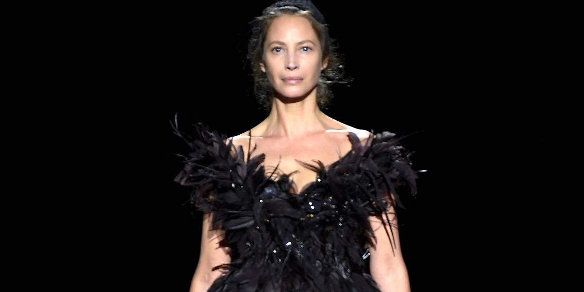 Christy Turlington Closed the Marc Jacobs Runway at New ...