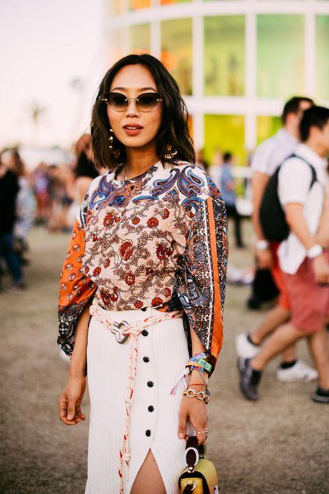 Street fashion, White, Fashion, Clothing, Eyewear, Fashion model, Yellow, Shoulder, Beauty, Fashion show,