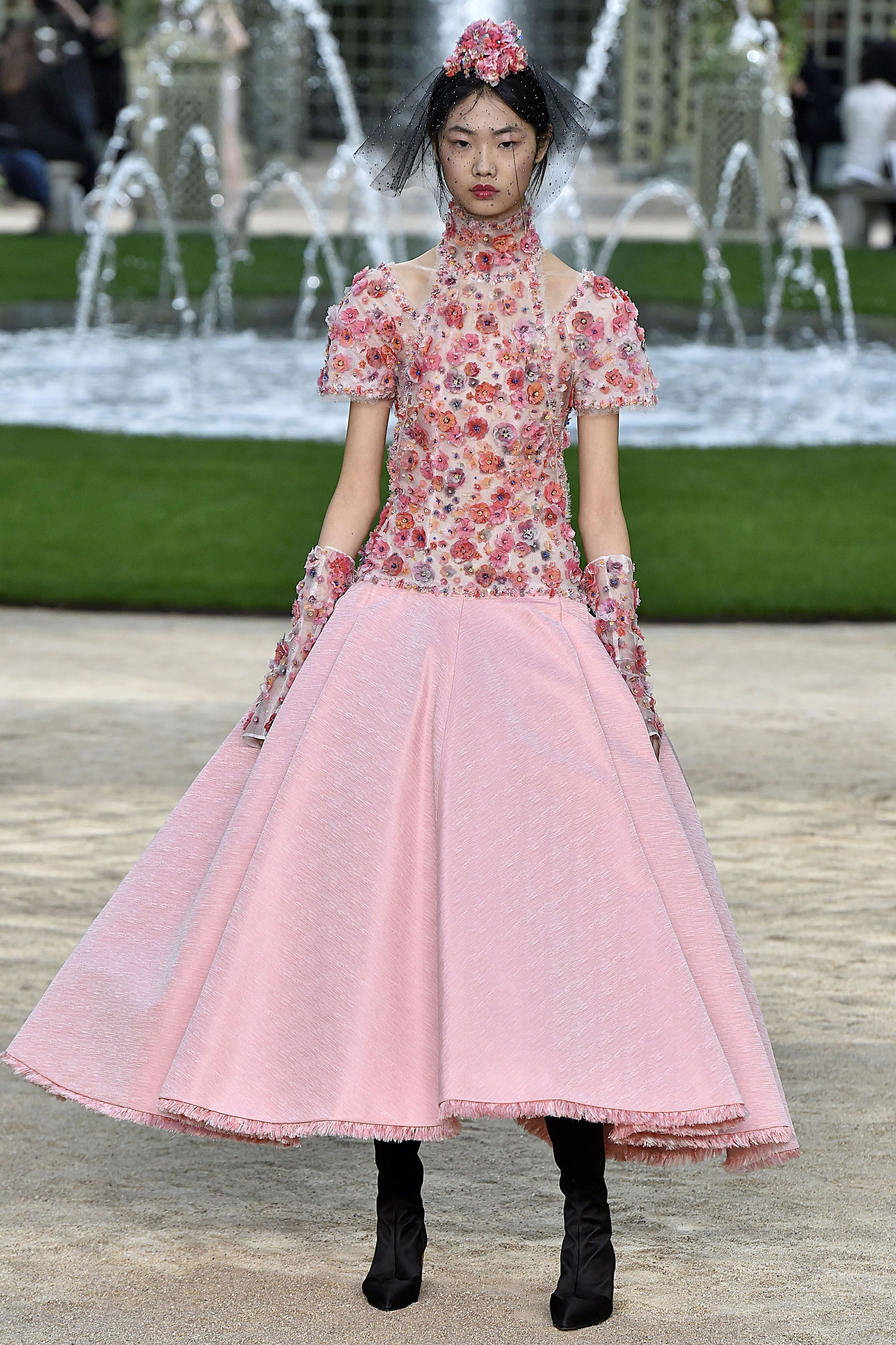 Looks - Haute worst couture spring video