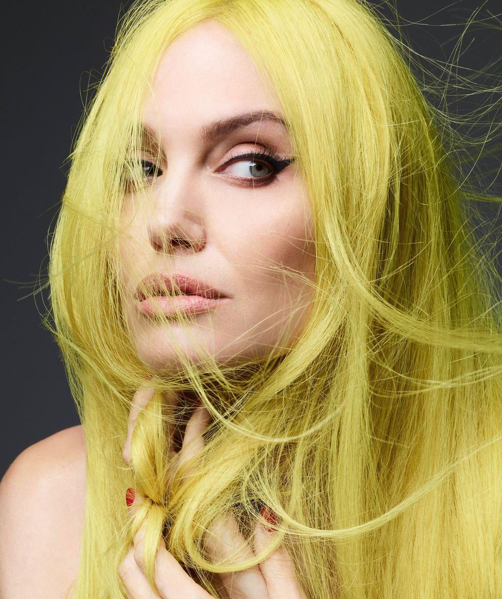 """""""Я хочу жить не в США, но мне мешает Брэд"""". Анджелина Джоли в съемке Harper's Bazaar (фото 3)"""