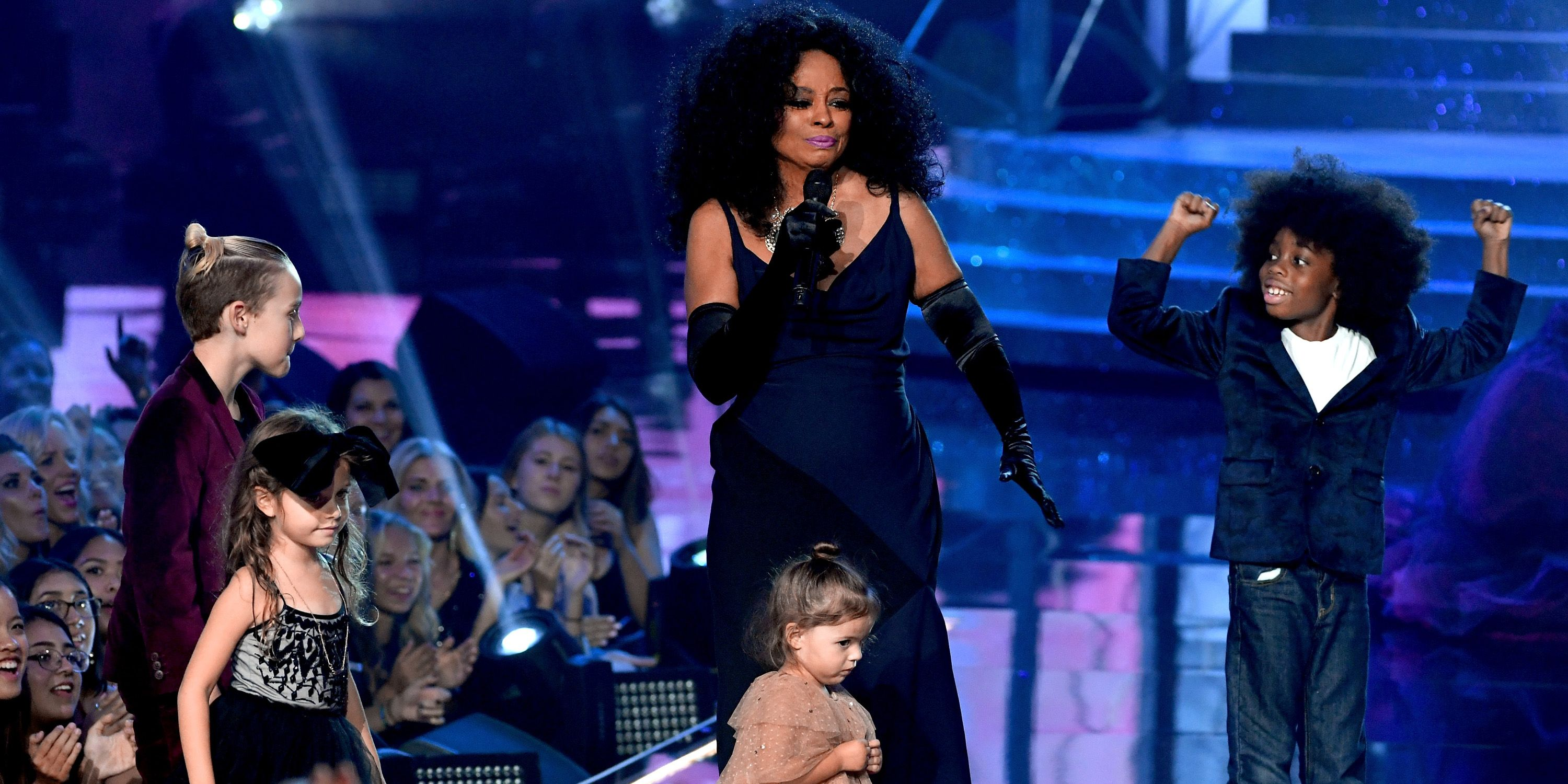 Diana Ross Brought Her Grandchildren Onstage in the Middle of Her AMAs Performance