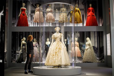 Display window, Display case, Dress, Clothing, Fashion, Boutique, Mannequin, Costume design, Gown, Haute couture,