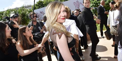 Fashion, Event, Blond, Fun, Premiere, Dress, Carpet, Feathered hair, Smile, Style,