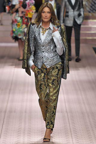 Lady Kitty Spencer Carla Bruni Maye Musk More Walked Dolce Gabbana S Spring 2019 Runway