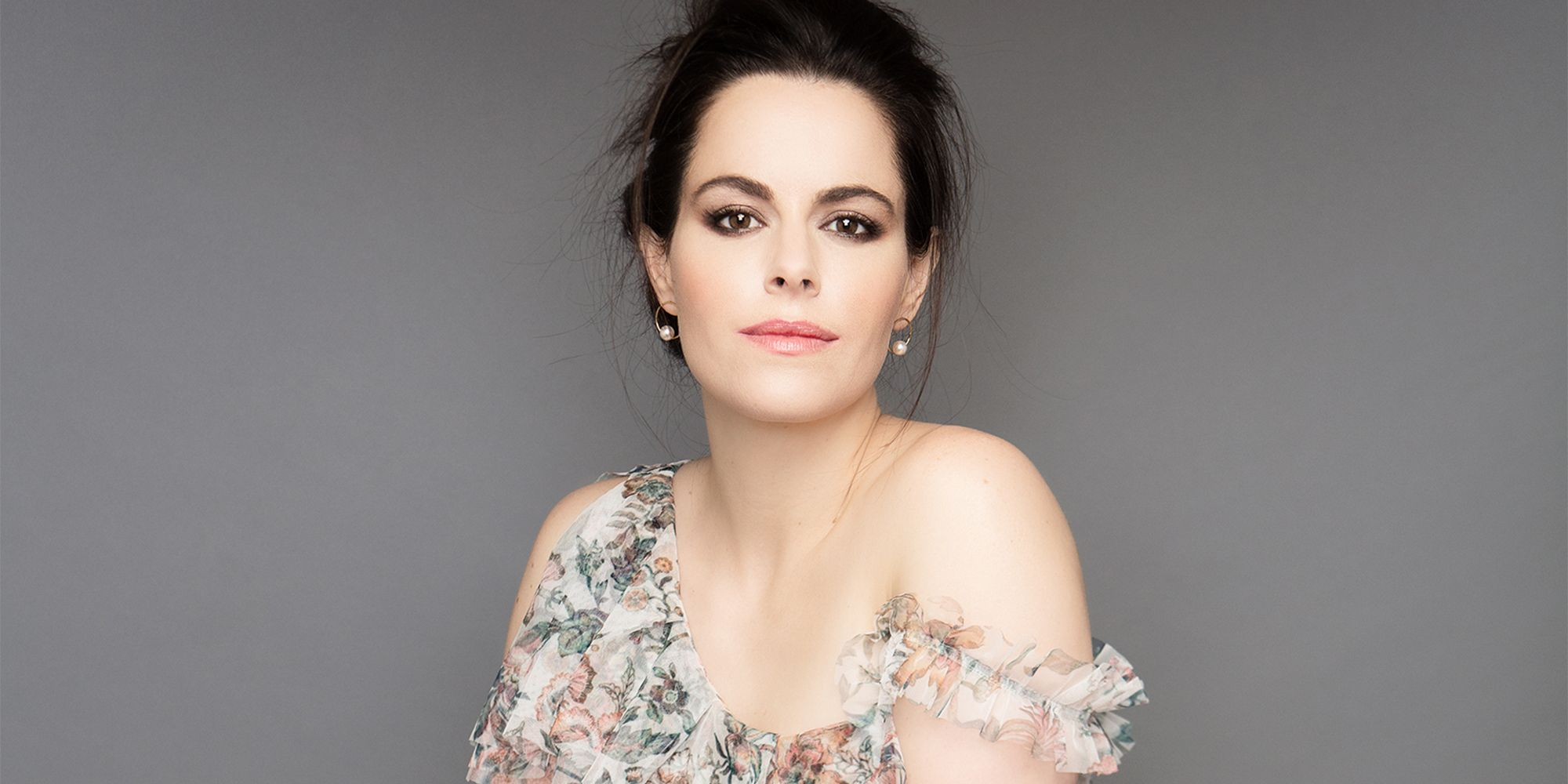 Emily Hampshire Nude Photos 33