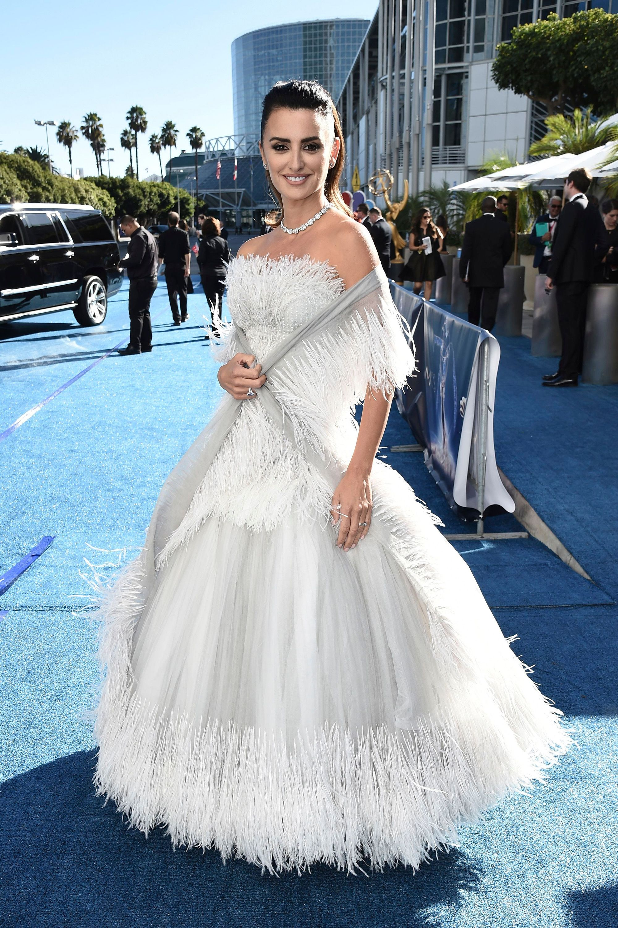 d30ccf754408 Penelope Cruz s Chanel Couture Gown Took Nearly 300 Hours to Embroider