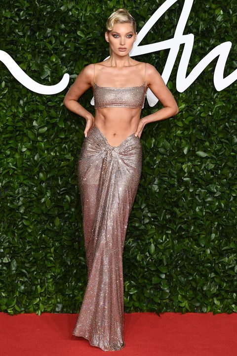 Red carpet, Carpet, Clothing, Dress, Fashion model, Fashion, Hairstyle, Flooring, Gown, Haute couture,