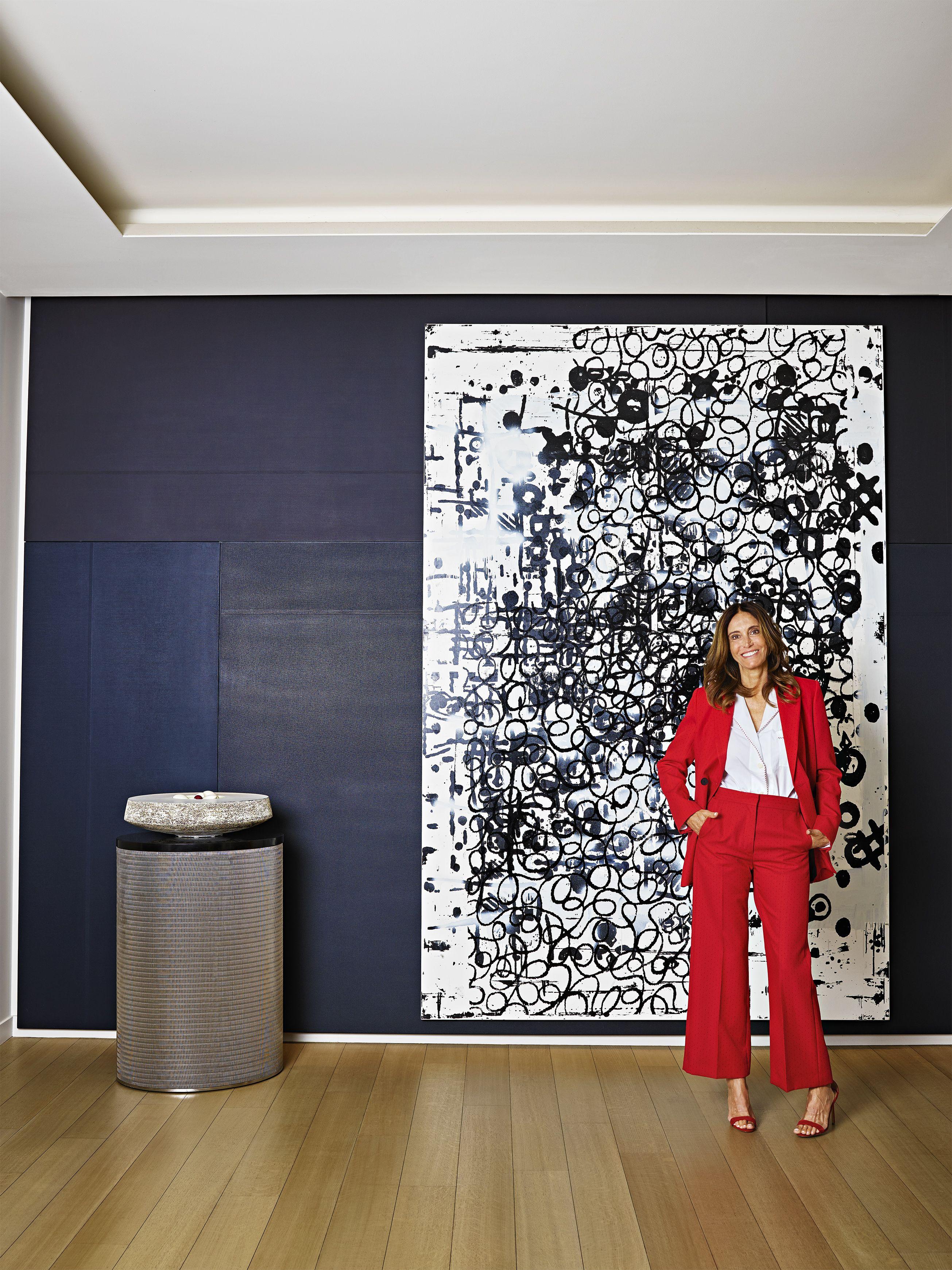 Inside the Fashionable Parisian Home of Evelyne Chétrite
