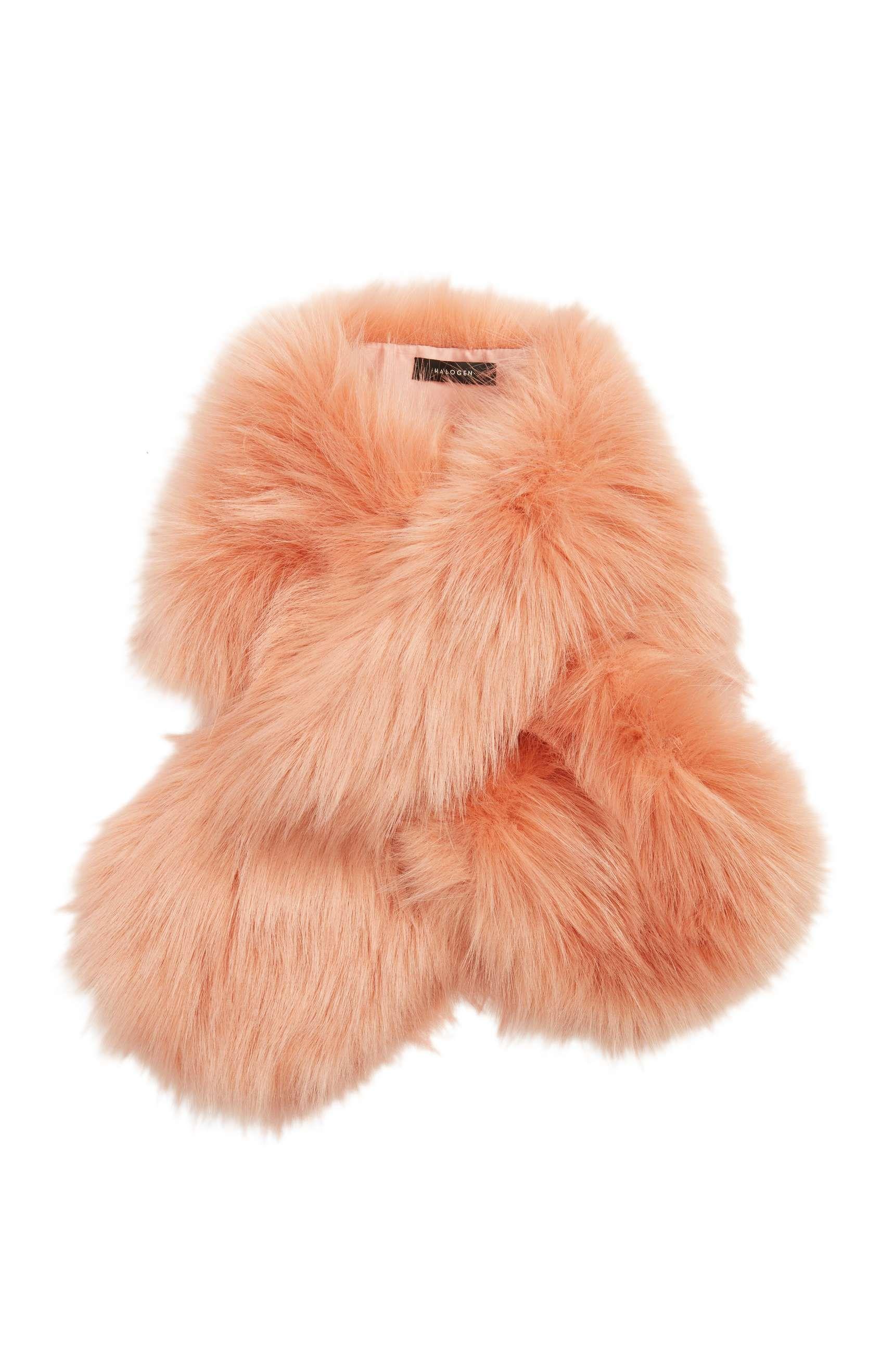 hbz-fur-scarf-1509050032.jpg (980×1501)