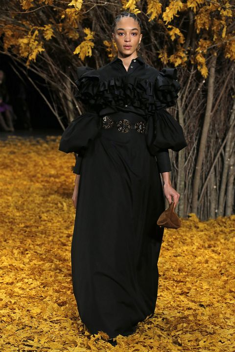 Black, Clothing, Autumn, Leaf, Yellow, Fashion, Beauty, Tree, Dress, Deciduous,