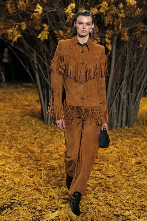 Fashion, Yellow, Autumn, Runway, Fashion show, Human, Outerwear, Spring, Fashion design, Fashion model,