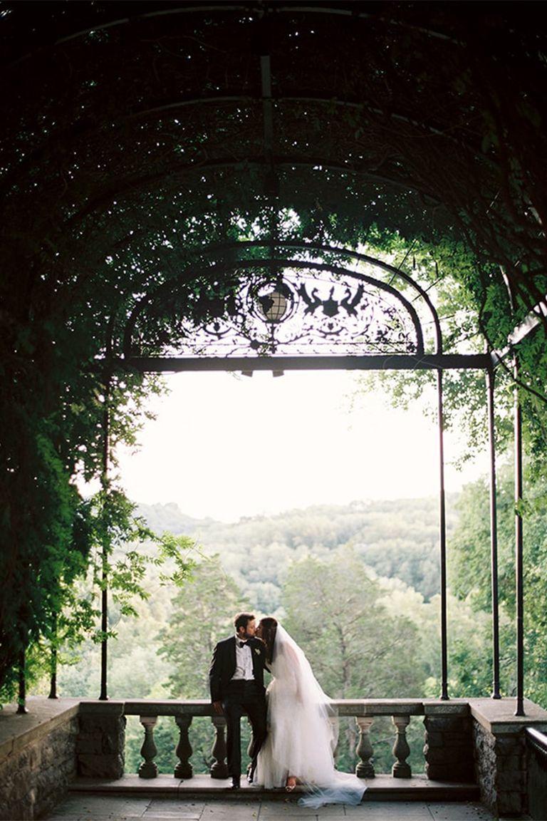22 Best Outdoor Garden Wedding Venues - Where to Host a ...