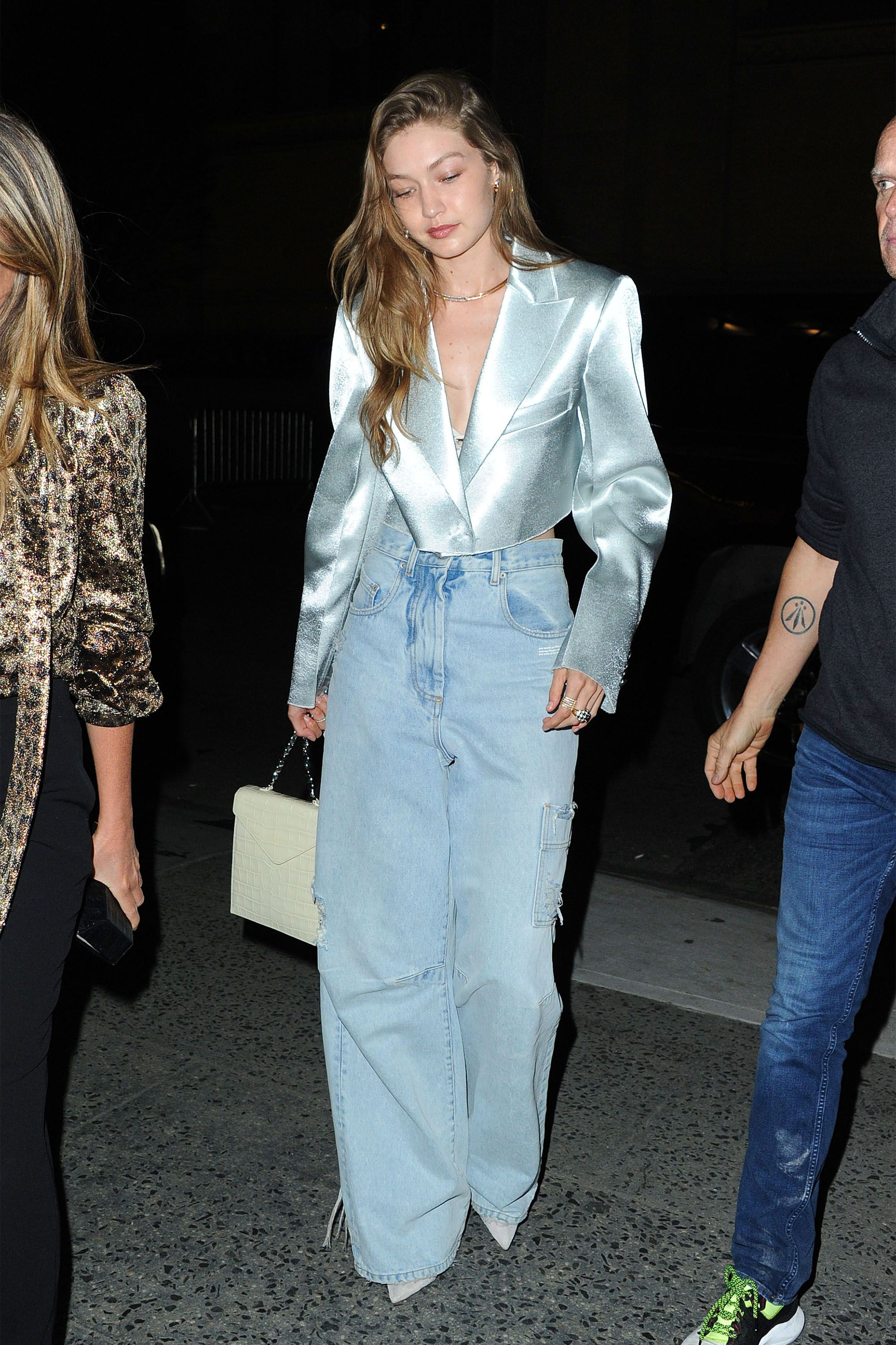 Gigi Hadid Arrives To The L'Avenue Restaurant