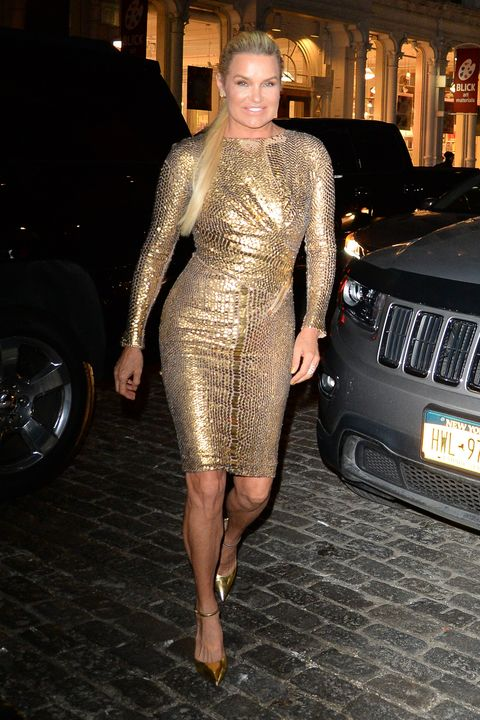 Gigi Hadid S 23rd Birthday Outfit Included A Gold Versace
