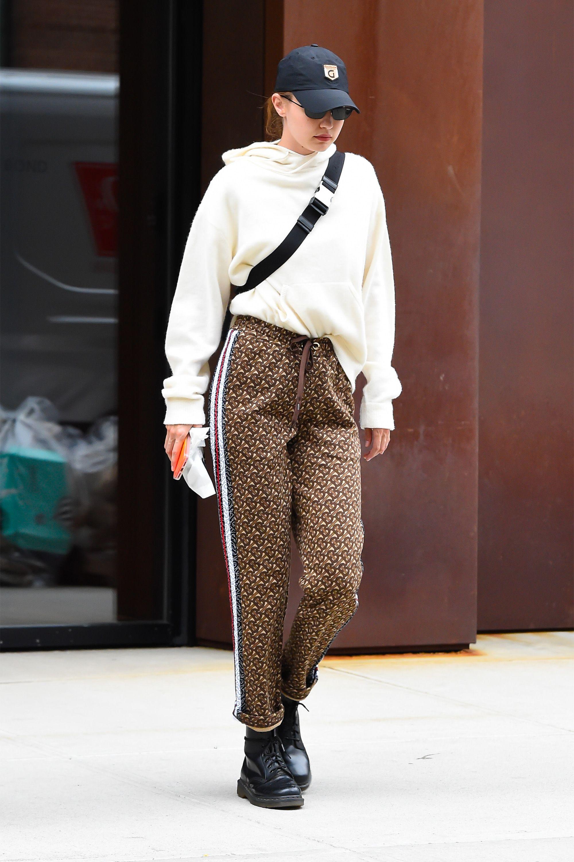 Style Hadid Looks Hadid's Sexiest Model Gigi 0mNwn8