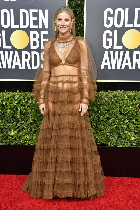 Red carpet, Carpet, Clothing, Dress, Fashion, Flooring, Premiere, Outerwear, Event, Gown,