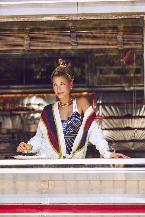 Model cantik ini selalu tergila-gila saat melihat Justin Bieber (dok. Harper's Bazaar)