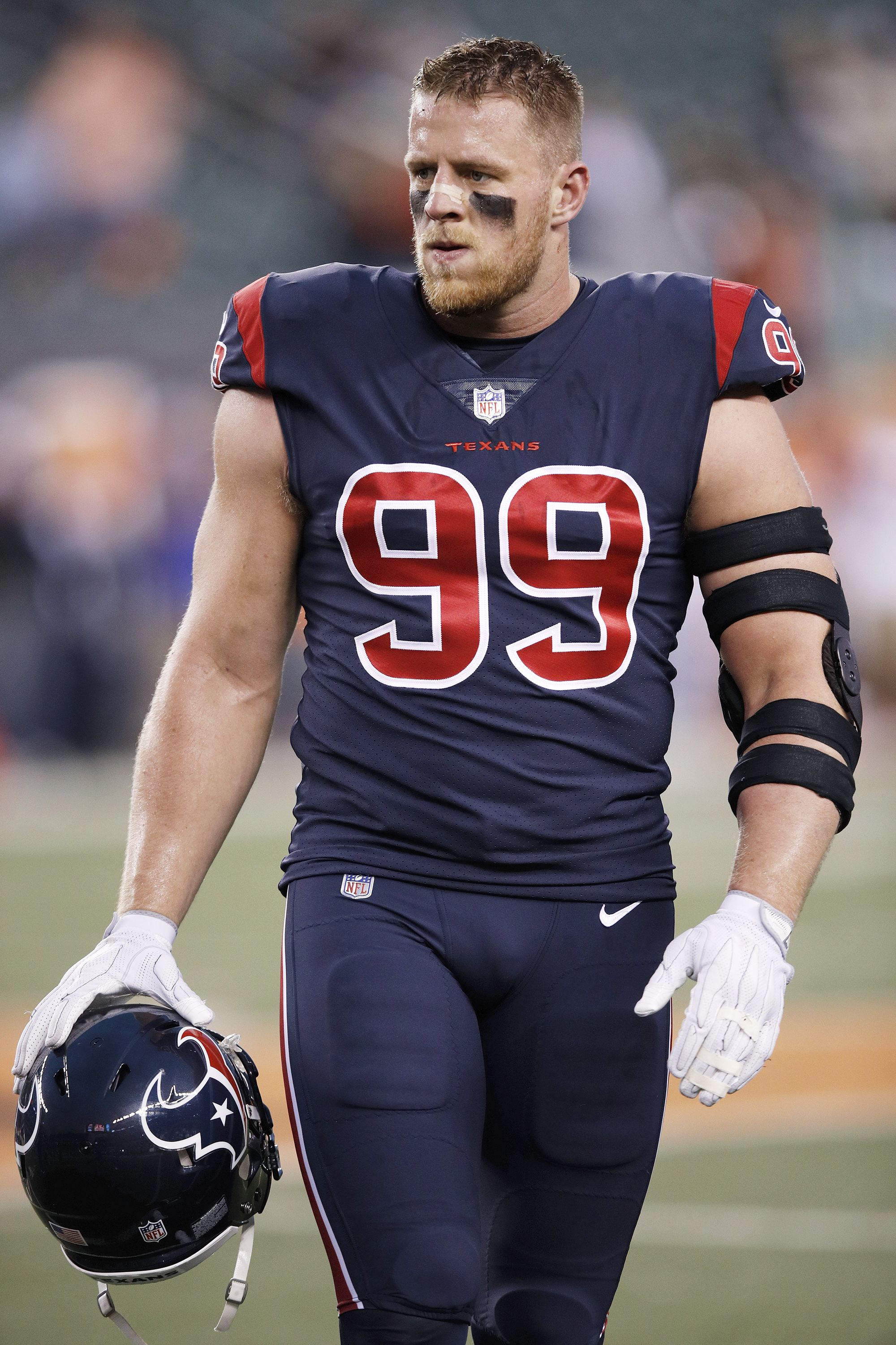 31 Hottest NFL Football Players